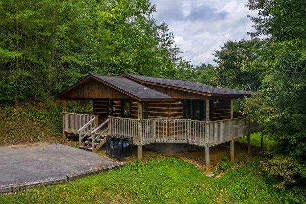 Honey Bear Hideaway, a 1 bedroom cabin rental located in Pigeon Forge