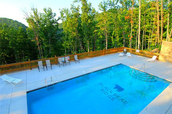 Pool access for guests at Rocky Top Retreat, a 2 bedroom cabin rental located in Pigeon Forge