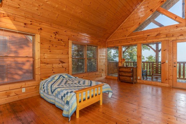 Futon in the loft space at Rocky Top Retreat, a 2 bedroom cabin rental located in Pigeon Forge