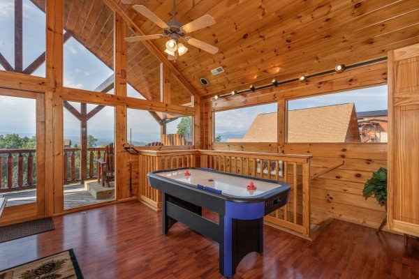 at 1 above the smokies a 2 bedroom cabin rental located in pigeon forge