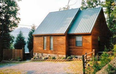 exterior front view at mountain do a 1 bedroom cabin rental located in pigeon forge
