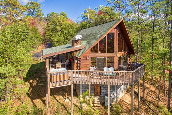 R & R Hideaway, a 1 bedroom cabin rental located in Pigeon Forge