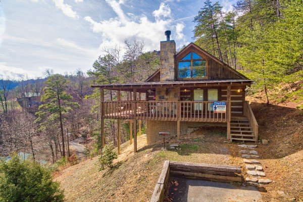 the cabin from the parking pad at a postcard view a 1 bedroom cabin rental located in pigeon forge