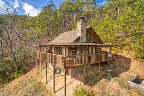 front and side exterior view at a postcard view a 1 bedroom cabin rental located in pigeon forge