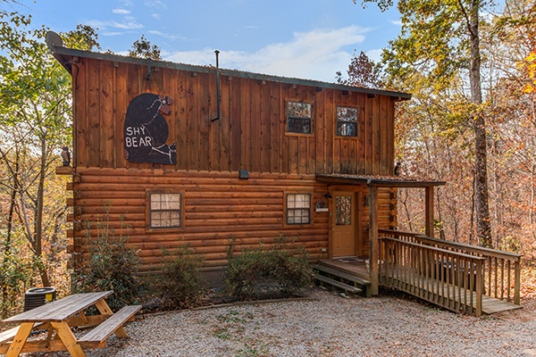 at shy bear a 2 bedroom cabin rental located in pigeon forge