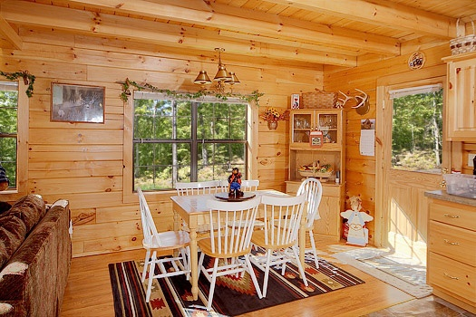 dining area at shy bear a 2 bedroom cabin rental located in pigeon forge