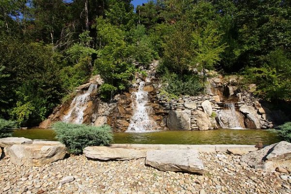 Water feature at Bears Eye View, a 2-bedroom cabin rental located in Pigeon Forge