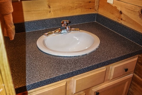 bathroom vanity at just you and me baby a 1 bedroom cabin rental located in gatlinburg
