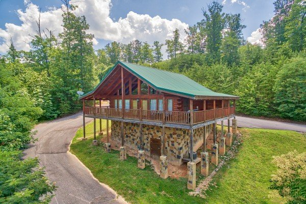 Majestic Sunrise, a 1 bedroom cabin rental located in Pigeon Forge