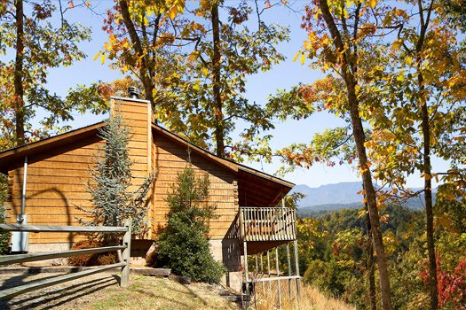 Exterior side view at Mountain Magic, a 1 bedroom cabin rental located in Pigeon Forge
