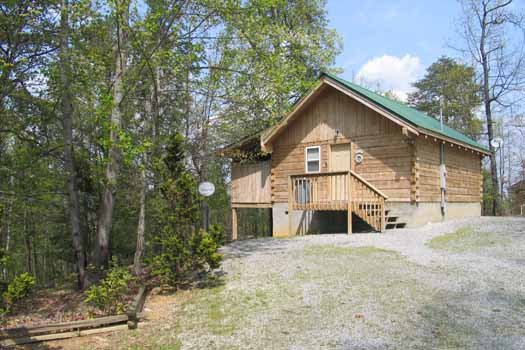 at Forever Yours, a 1-bedroom cabin rental located in Pigeon Forge