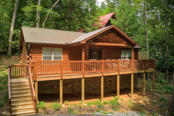 Paws on the Porch, a 2 bedroom cabin rental located in Gatlinburg