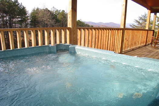hot tub on deck at bear heaven a 1 bedroom cabin rental located in pigeon forge