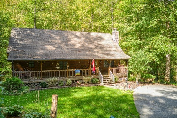 Front exterior of Stream On! A 2 bedroom cabin rental located in Pigeon Forge