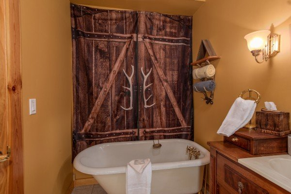 Soaking tub at Stream On! A 2 bedroom cabin rental located in Pigeon Forge
