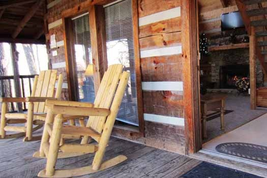 front porch rockers at smoky mountain romance a 1 bedroom cabin rental located in pigeon forge