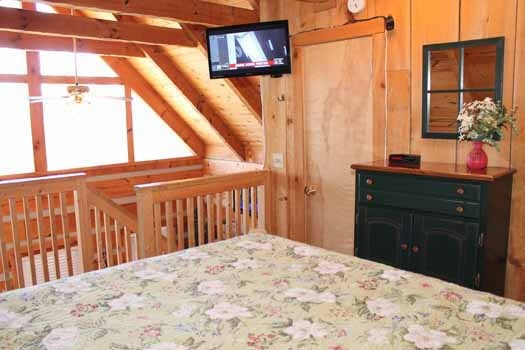 lofted king bedroom at smoky mountain romance a 1 bedroom cabin rental located in pigeon forge