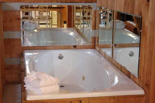 main level jacuzzi tub at smoky mountain romance a 1 bedroom cabin rental located in pigeon forge