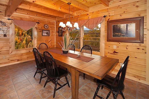 dining table for six at lookout lodge a 4 bedroom cabin rental located in pigeon forge