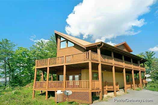 Exterior front view at Tennessee Dreamer, a 5 bedroom cabin rental located in Pigeon Forge
