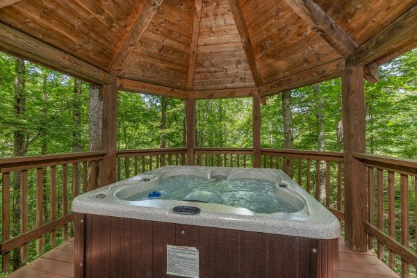 at cabin on the mountain a 2 bedroom cabin rental located in gatlinburg