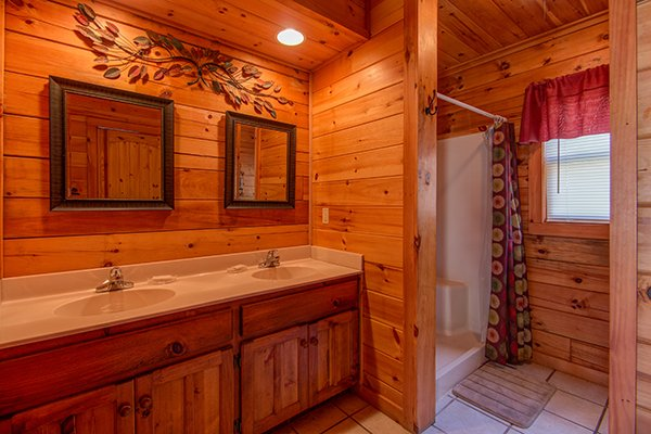 double sink bathroom vanity at alpine sondance a 2 bedroom cabin rental located in pigeon forge