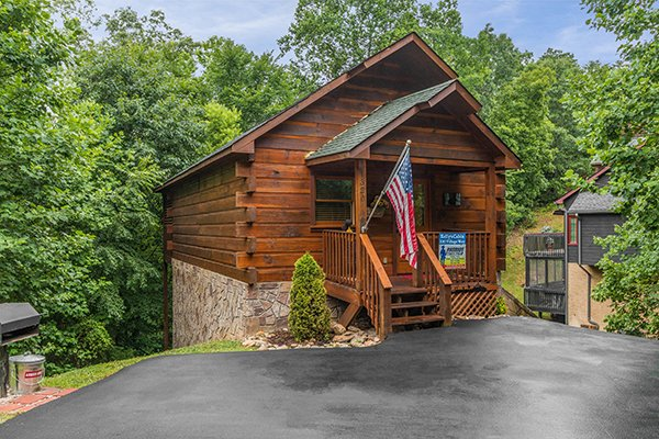Kelly's Cabin, a 1 bedroom cabin rental located in Pigeon Forge