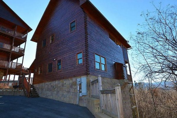 at howlin' in the smokies a 2 bedroom cabin rental located in pigeon forge