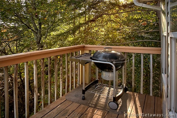 at mountain song a 7 bedroom cabin rental located in gatlinburg
