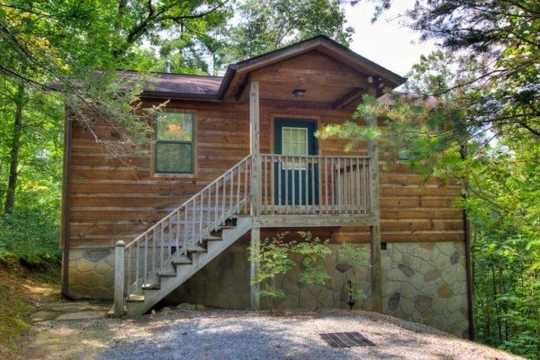 The cabin from the front at A Dream Romance, a 1 bedroom cabin rental located in Gatlinburg
