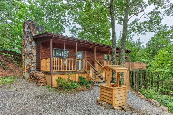 Peace & Quiet, a 3 bedroom cabin rental located in Pigeon Forge
