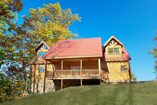 Two story vacation home named Big Sky Lodge, a 3-bedroom rental located in Gatlinburg