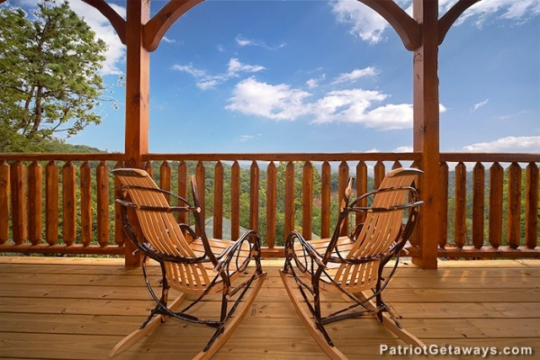 at viewtopia a 2 bedroom cabin rental located in gatlinburg