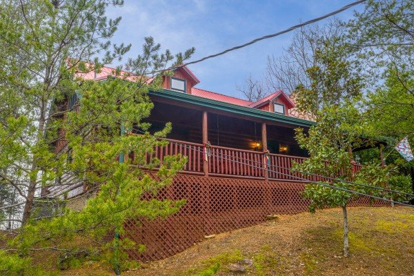 A cabin called Pigeon Forge Pleasures, a 3 bedroom cabin rental located in Pigeon Forge
