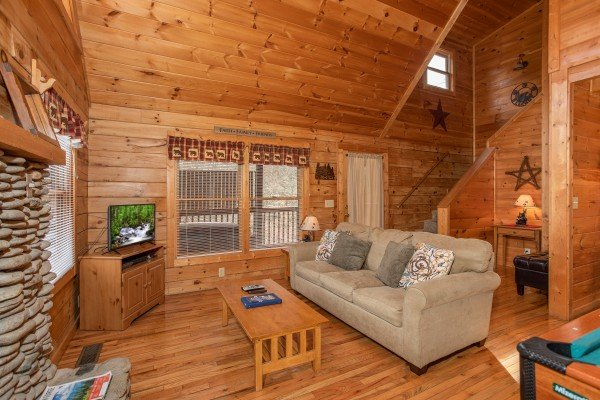 at bearly mine a 1 bedroom cabin rental located in pigeon forge