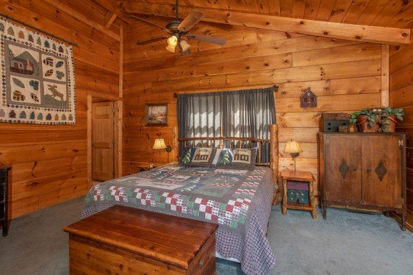 Bedroom in the loft at Aw Paw's Place, a 1-bedroom cabin rental located in Pigeon Forge