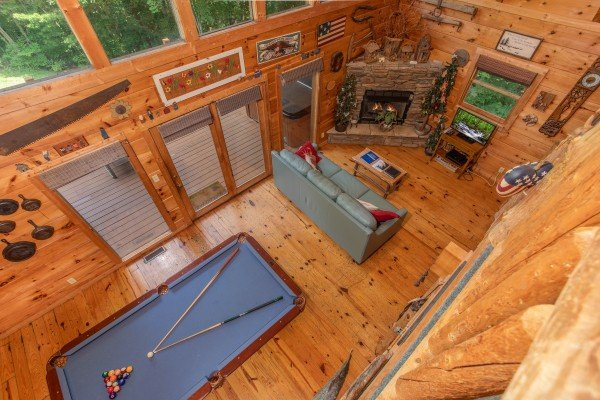 Overhead view of the living room at Aw Paw's Place, a 1-bedroom cabin rental located in Pigeon Forge