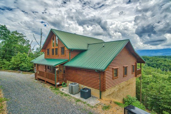 Gravel parking and I Do Love Views, a 3 bedroom cabin rental located in Pigeon Forge