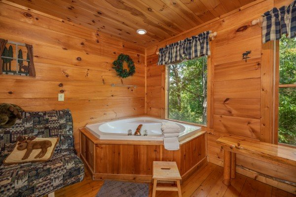 Corner jacuzzi tub at Misty Mountain Escape, a 2 bedroom cabin rental located in Gatlinburg