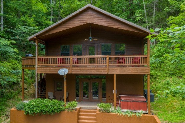 Hawk's Heart Lodge, a 3 bedroom cabin rental located in Pigeon Forge