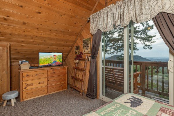at bearing views a 3 bedroom cabin rental located in pigeon forge