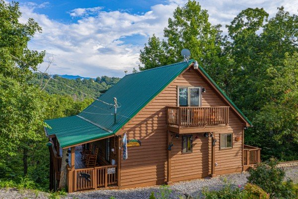 Bearing Views, a 3 bedroom cabin rental located in Pigeon Forge