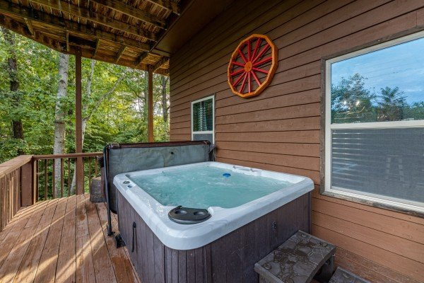 Hot tub at Bearing Views, a 3 bedroom cabin rental located in Pigeon Forge