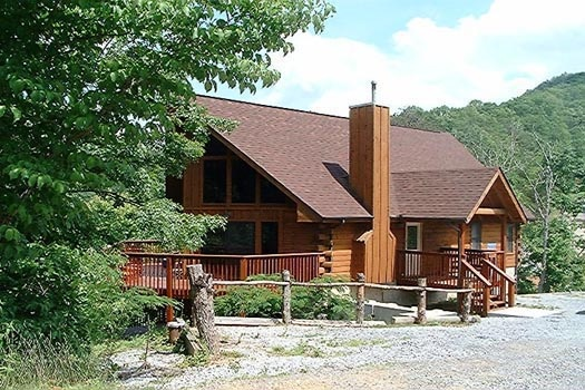 front exterior entrance at mountain spirit a 4 bedroom cabin rental located in pigeon forge
