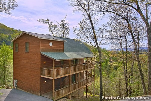 Side exterior view of Privacy & A View, a 3 bedroom cabin rental located in Pigeon Forge