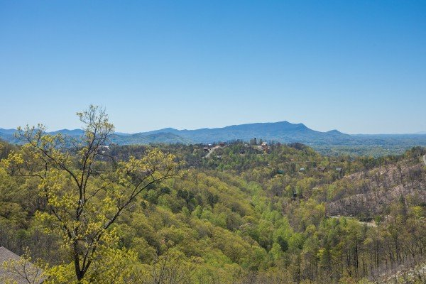 panoramic mountain view at all that jazz a 1 bedroom cabin rental located in pigeon forge