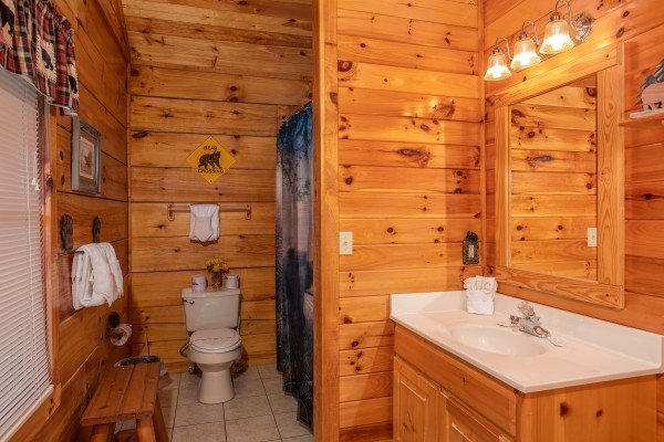 Second bathroom at Bear Country, a 3-bedroom cabin rental located in Pigeon Forge