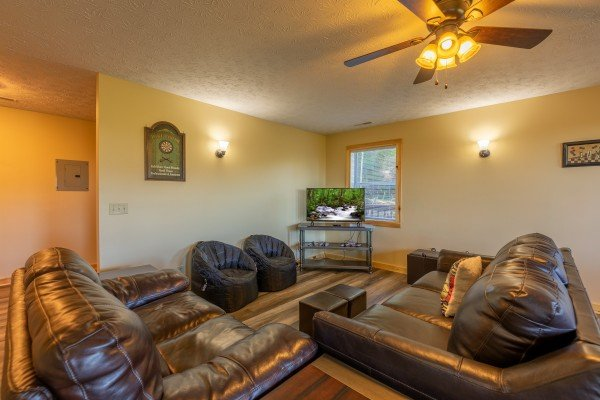 Second living room at Le Bear Chalet, a 7 bedroom cabin rental located in Gatlinburg