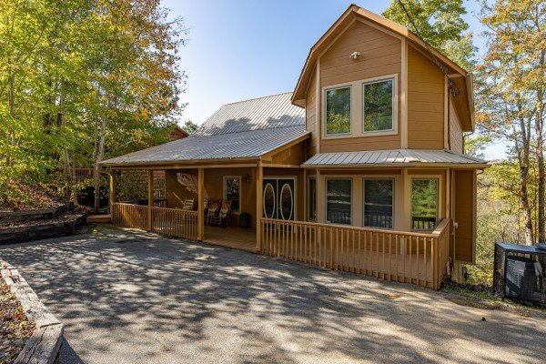 Into the Woods, a 3 bedroom cabin rental located in Pigeon Forge