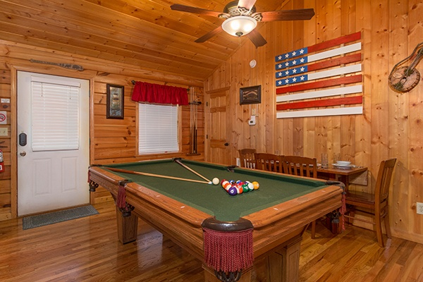 at a beary cozy escape a 1 bedroom cabin rental located in pigeon forge